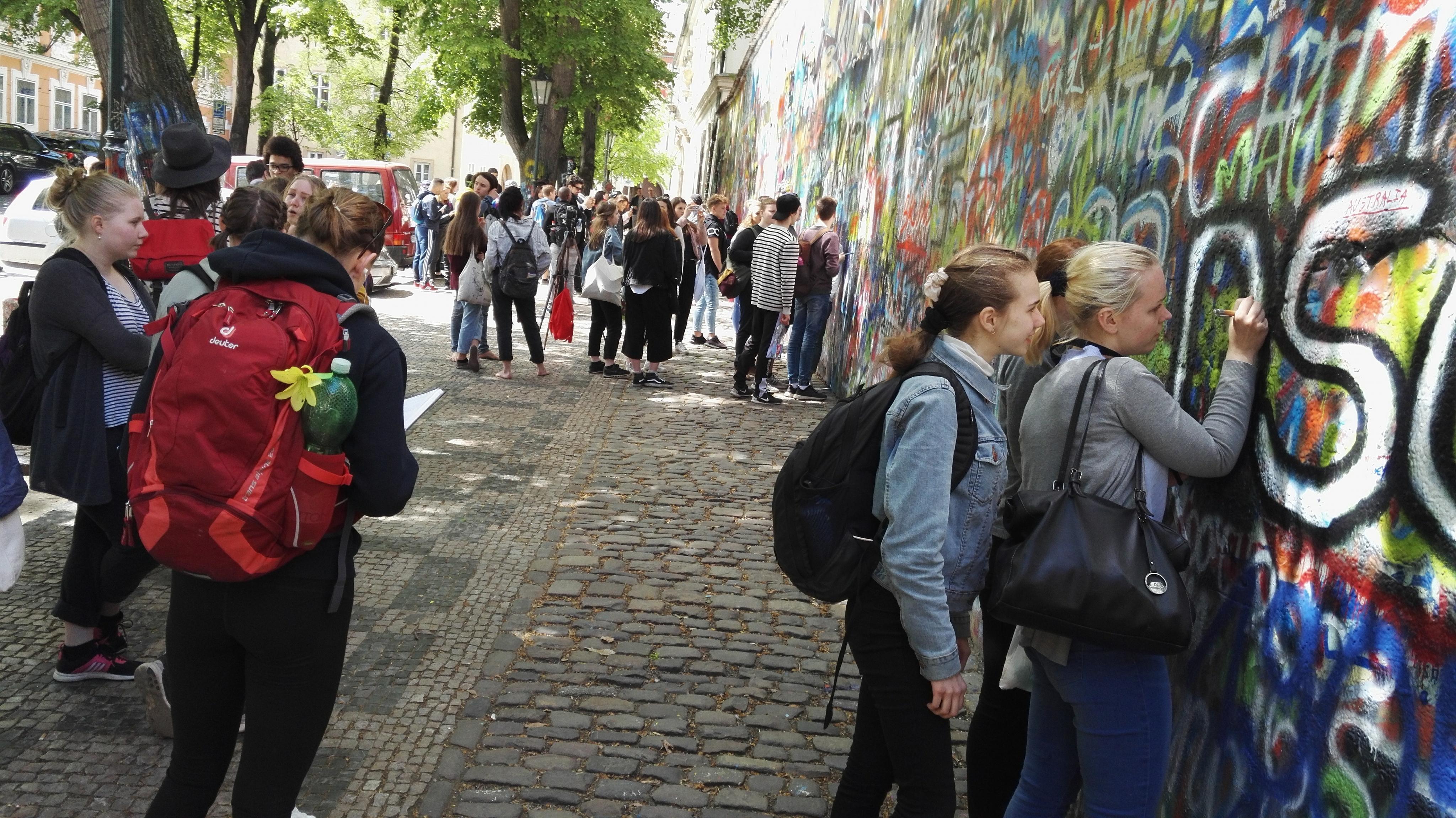 2018-04 Praha-projekti graffitimuuri